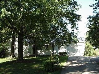 6128 Ralston Avenue, Raytown, MO 64133 (#2093105) :: Edie Waters Team