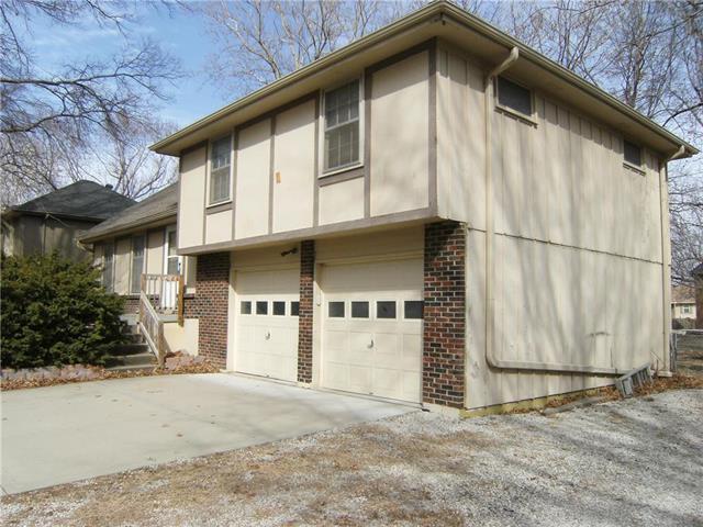 414 S Winterbrooke Drive, Olathe, KS 66062 (#2093256) :: Edie Waters Team