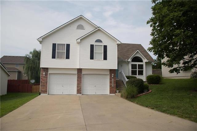 18804 E 24th S Street, Independence, MO 64057 (#2094587) :: Char MacCallum Real Estate Group