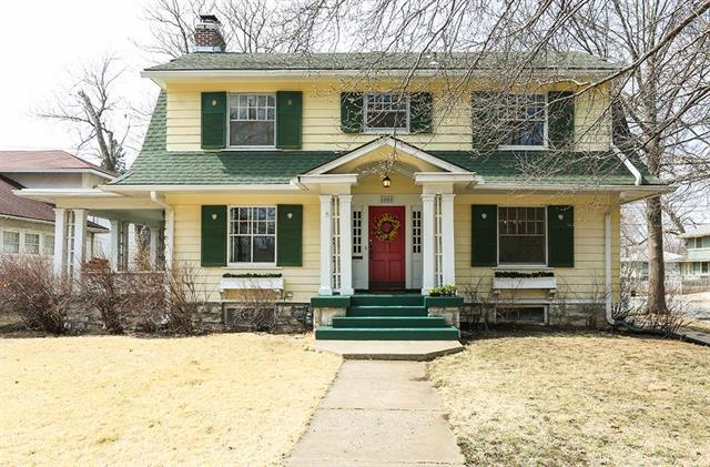 6000 Oak Street, Kansas City, MO 64113 (#2095066) :: Edie Waters Team