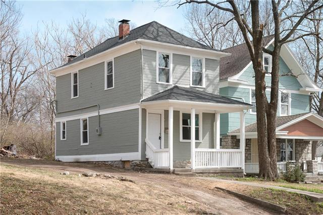 4439 Forest Avenue, Kansas City, MO 64110 (#2095357) :: Edie Waters Network