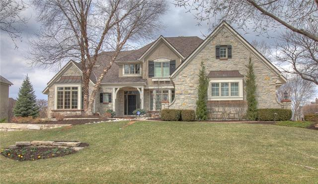 5804 Golden Bear Drive, Overland Park, KS 66223 (#2095848) :: Edie Waters Network