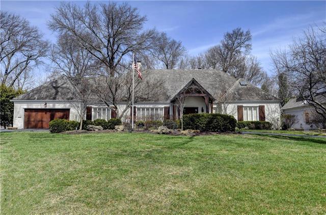 3040 W 68th Street, Mission Hills, KS 66208 (#2096067) :: HergGroup Kansas City