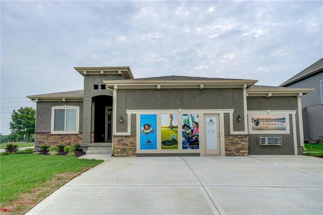 1531 Grandshire Drive, Raymore, MO 64083 (#2096133) :: Char MacCallum Real Estate Group
