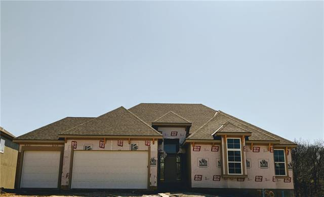 7350 NW Forest Lakes Drive, Parkville, MO 64152 (#2097031) :: The Gunselman Team