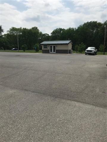 102 W Lawrence Street, Kearney, MO 64060 (#2099046) :: Char MacCallum Real Estate Group