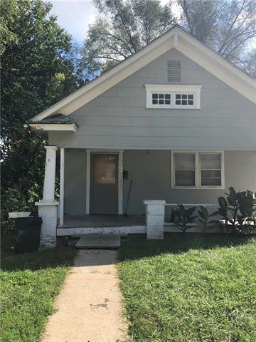 2533 Cypress Avenue, Kansas City, MO 64127 (#2099086) :: Char MacCallum Real Estate Group