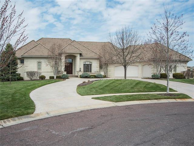 5501 Golden Bear Drive, Overland Park, KS 66220 (#2099361) :: The Tina Team