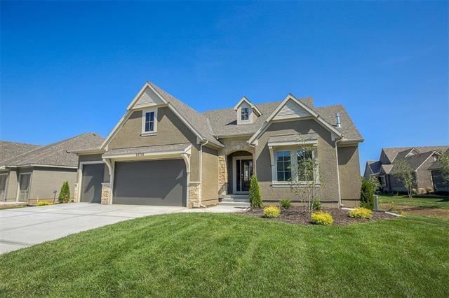 14705 Meadow Lane, Leawood, KS 66224 (#2100151) :: Char MacCallum Real Estate Group