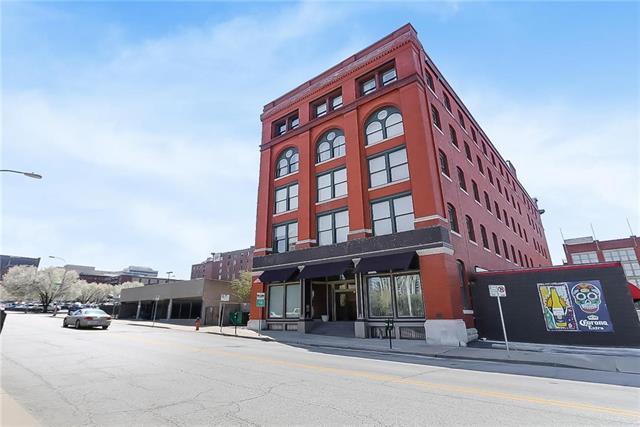 609 Central Street #1108, Kansas City, MO 64105 (#2100750) :: The Gunselman Team