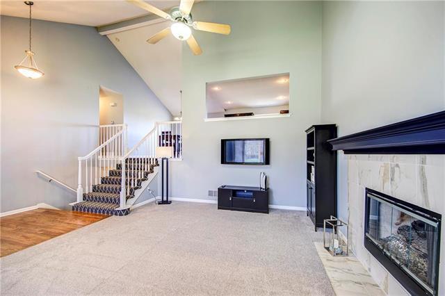 21222 W 55th Terrace, Shawnee, KS 66218 (#2101952) :: The Shannon Lyon Group - ReeceNichols