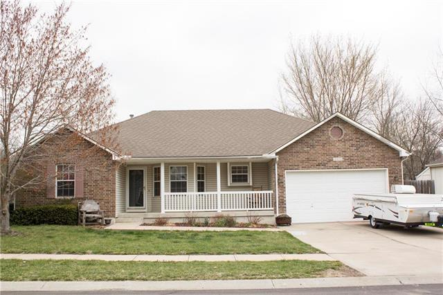 3329 S Cochise Avenue, Independence, MO 64057 (#2102075) :: Edie Waters Network