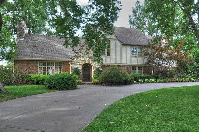 3715 W 64th Street, Mission Hills, KS 66208 (#2102558) :: The Shannon Lyon Group - ReeceNichols