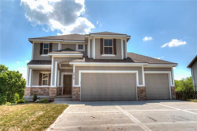2027 Buckeye Court, Excelsior Springs, MO 64024 (#2102877) :: Edie Waters Network