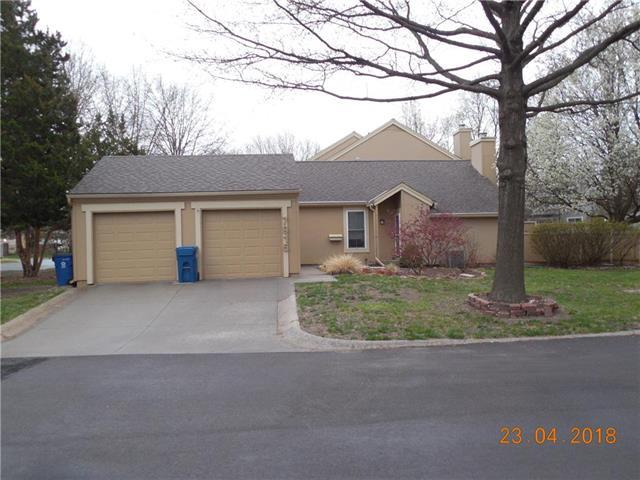 7915 Colony Lane, Lenexa, KS 66215 (#2102894) :: NestWork Homes