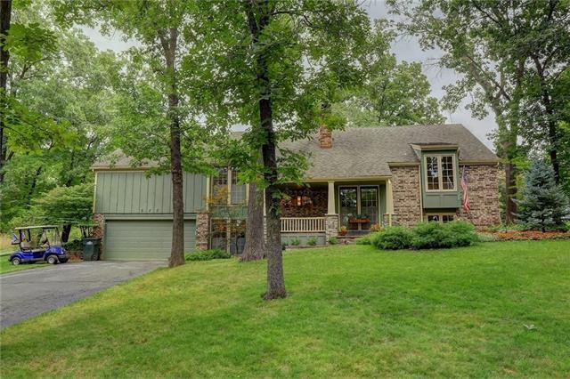 640 Lake Forest Drive, Bonner Springs, KS 66012 (#2103407) :: Char MacCallum Real Estate Group