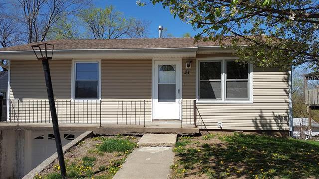 212 N Titus Avenue, Excelsior Springs, MO 64024 (#2103635) :: Edie Waters Network
