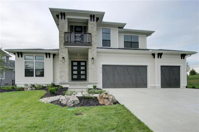 16140 Garnett Street, Overland Park, KS 66220 (#2103741) :: Char MacCallum Real Estate Group