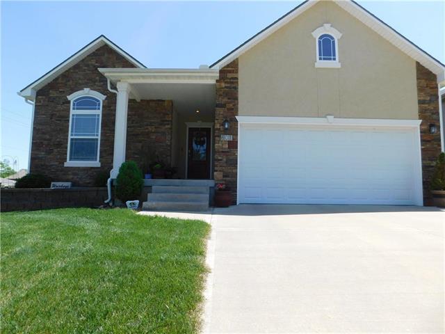 601 Oakmont Drive, Warrensburg, MO 64093 (#2104366) :: The Shannon Lyon Group - ReeceNichols