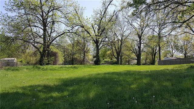 12405 E 51st Street, Independence, MO 64055 (#2105186) :: Eric Craig Real Estate Team