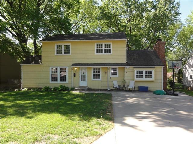 7915 W 59th Terrace, Merriam, KS 66202 (#2106028) :: Edie Waters Network