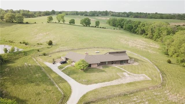 12500 NW Crooked Road, Parkville, MO 64152 (#2106823) :: Edie Waters Network