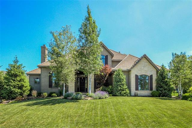 11418 W 161st Terrace, Overland Park, KS 66062 (#2107562) :: Char MacCallum Real Estate Group