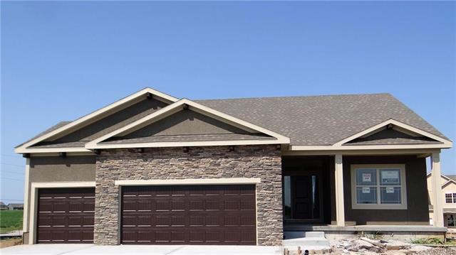 9031 SE 1st Court, Blue Springs, MO 64064 (#2107976) :: No Borders Real Estate