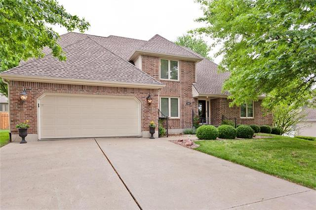16404 E Debra Street, Independence, MO 64055 (#2108212) :: Edie Waters Network