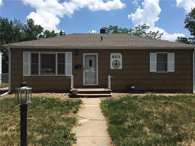 601 N 24th Street, St Joseph, MO 64506 (#2108493) :: Edie Waters Network
