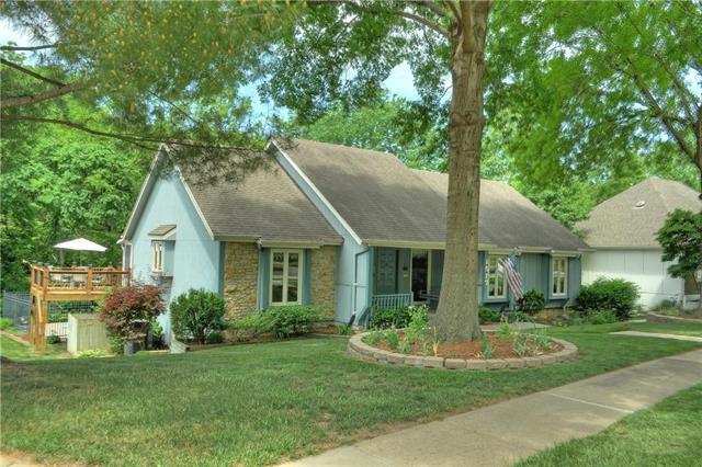 1517 NW 18th Street, Blue Springs, MO 64015 (#2108817) :: Kansas City Homes