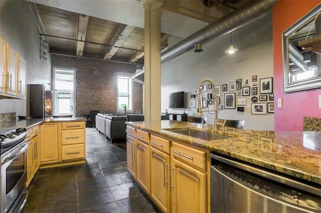 609 Central Street #1104, Kansas City, MO 64105 (#2108934) :: No Borders Real Estate