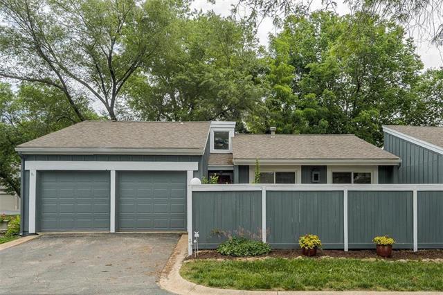 12011 W 82nd Terrace, Lenexa, KS 66215 (#2109021) :: Edie Waters Network