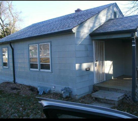 6107 College Avenue, Kansas City, MO 64130 (#2109330) :: Edie Waters Network