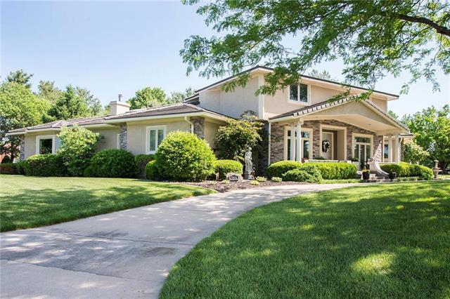 1800 SW Fountain Drive, Lee's Summit, MO 64081 (#2109372) :: Edie Waters Network