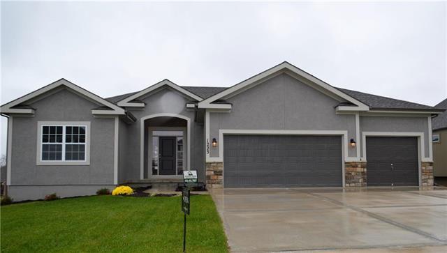 1223 NW 94 Terrace, Kansas City, MO 64155 (#2109737) :: Dani Beyer Real Estate