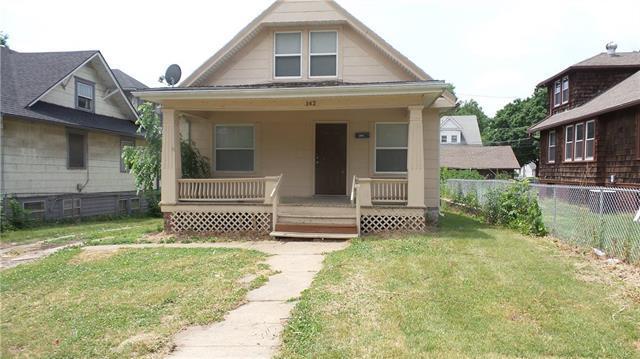 142 N Oakley Avenue, Kansas City, MO 64123 (#2109777) :: Edie Waters Network
