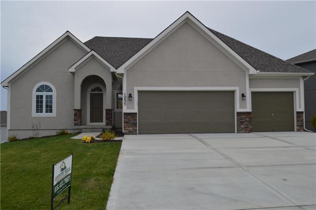 1235 NW 94 Terrace, Kansas City, MO 64155 (#2109959) :: Dani Beyer Real Estate