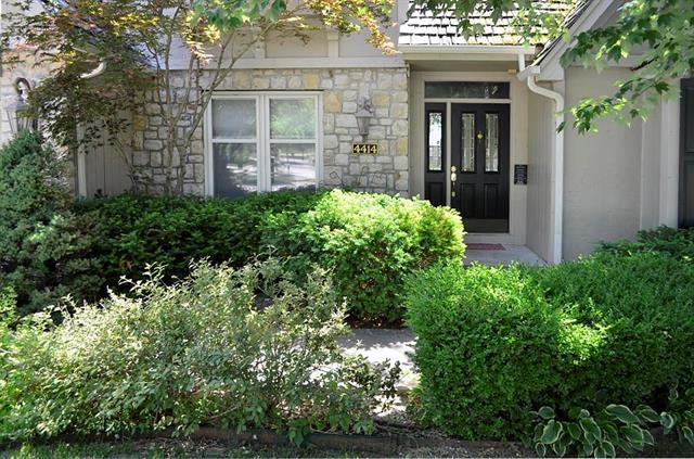 4414 NE 58th Street, Kansas City, MO 64118 (#2111993) :: Edie Waters Network