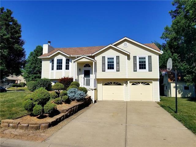 804 S Huntington Drive, Greenwood, MO 64034 (#2112062) :: Edie Waters Network