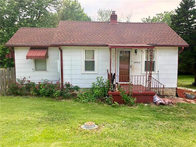 5932 Blue Ridge Cutoff Street, Raytown, MO 64133 (#2112877) :: No Borders Real Estate