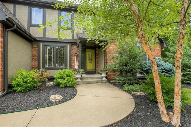 3353 W 129TH Terrace, Leawood, KS 66209 (#2112885) :: No Borders Real Estate