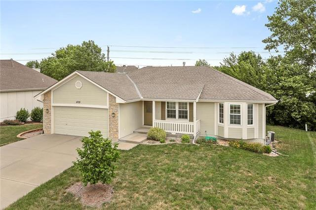 809 Derby Street, Raymore, MO 64083 (#2113842) :: No Borders Real Estate
