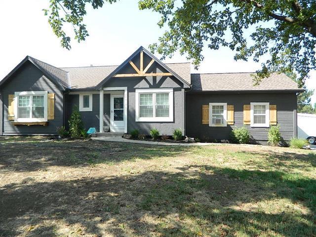 24010 W 57th Terrace, Shawnee, KS 66226 (#2114097) :: Edie Waters Network