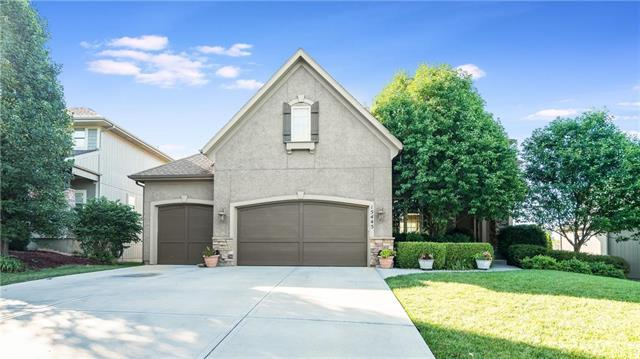 15445 W 165th Street, Olathe, KS 66062 (#2115290) :: Edie Waters Network