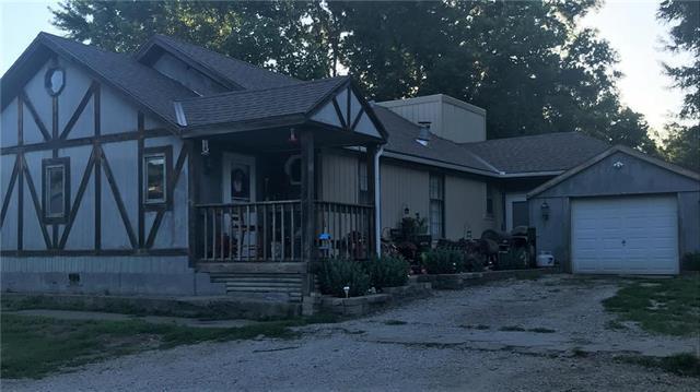 203 S Washington Street, Freeman, MO 64746 (#2115623) :: Char MacCallum Real Estate Group