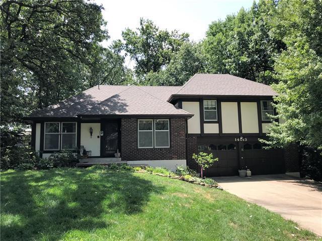 14013 W 48th Terrace, Shawnee, KS 66216 (#2116207) :: Edie Waters Network