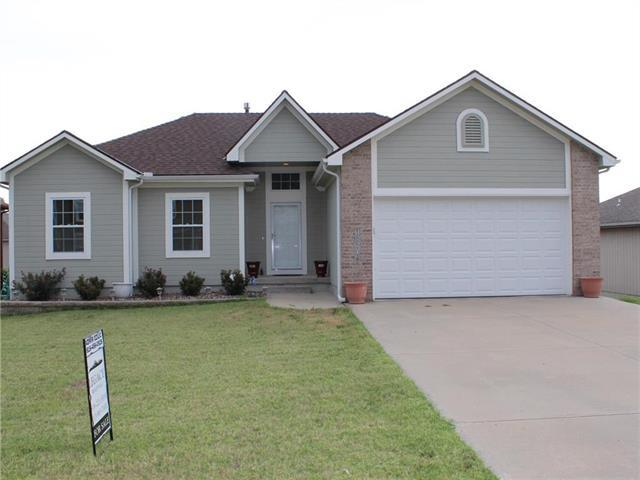 18504 E Bundschu Place, Independence, MO 64052 (#2116270) :: Edie Waters Network
