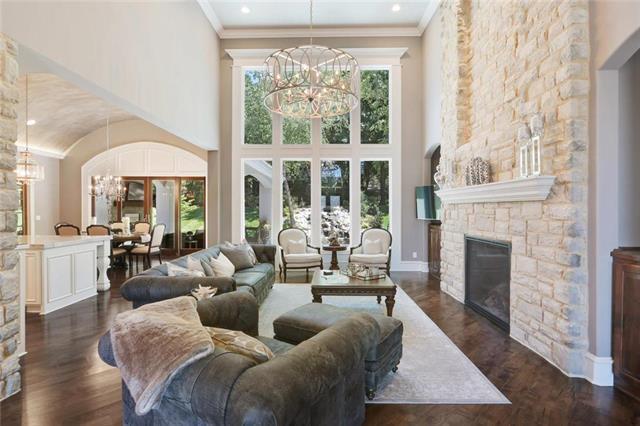 2117 W 117th Street, Leawood, KS 66211 (#2116397) :: Char MacCallum Real Estate Group