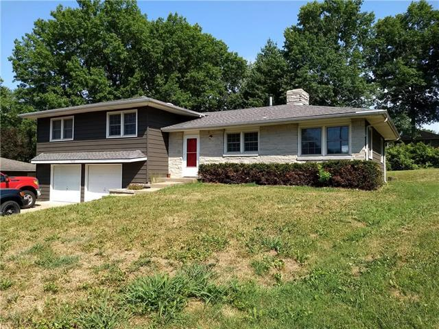 822 Magnolia Court, Liberty, MO 64068 (#2116504) :: Edie Waters Network